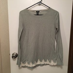 Women's large speckled top